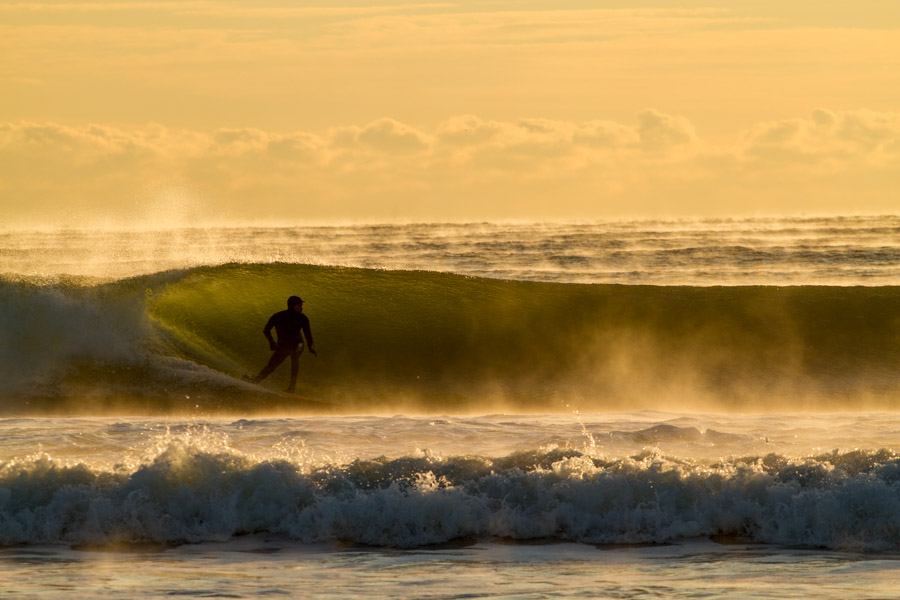 A nice set wave offering a bowling section. I was still feeling the warmth. Photo: Christor Lukasiewicz